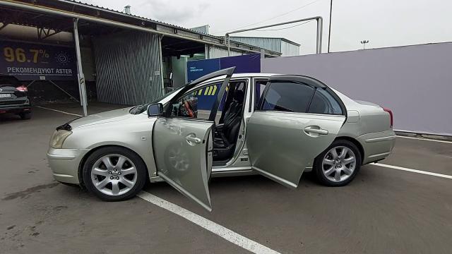 2003 Toyota Avensis