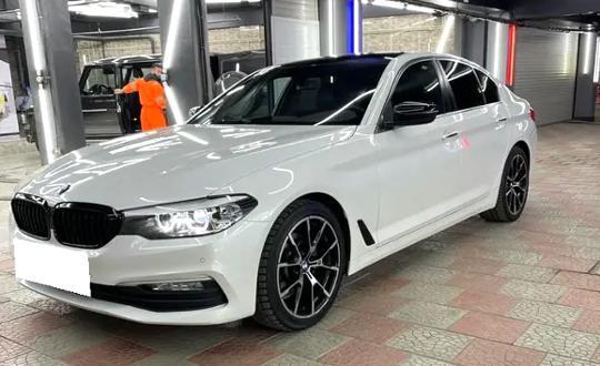 BMW 5 серия 2018 года за 18 500 000 тг. в Алматы