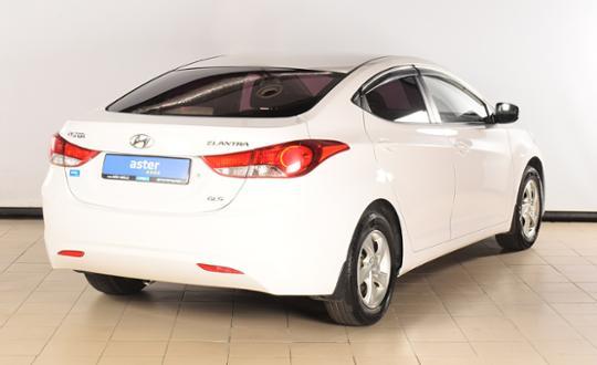 2013-hyundai-elantra-75355