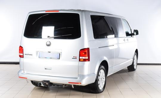 2013-volkswagen-multivan-81970