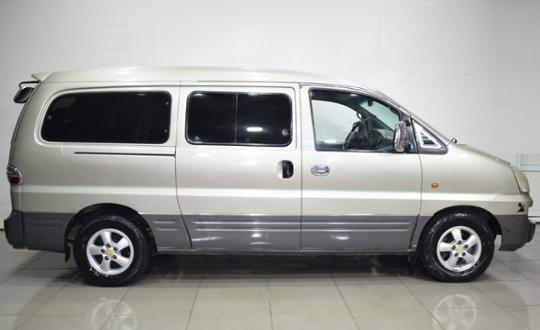 2005-hyundai-h-1-83397