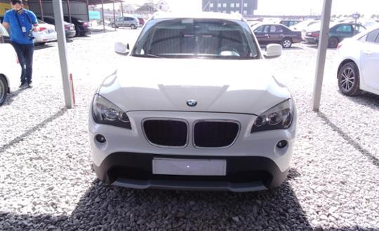 2011-bmw-x1-c2650