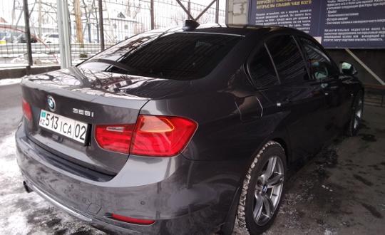 2011-bmw-3-серия-c8558
