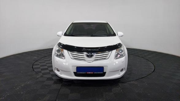 2010-toyota-avensis-87555