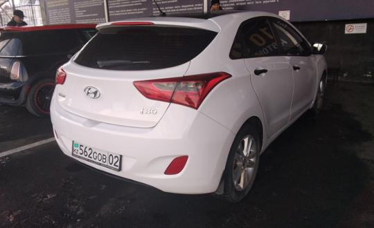 2012-hyundai-i30-c9947