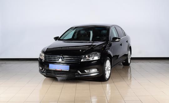 Volkswagen Passat 2011 года за 4 770 000 тг. в Нур-Султан