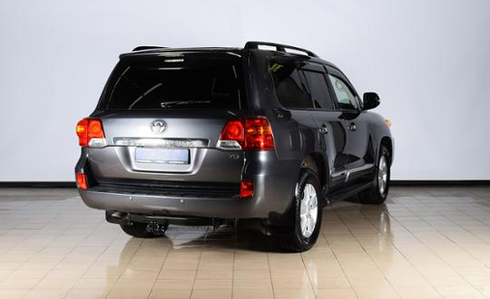 2012-toyota-land-cruiser-90576