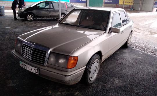 1987 Mercedes-Benz W124