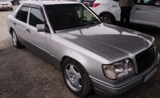 1994-mercedes-benz-e-класс-c15069