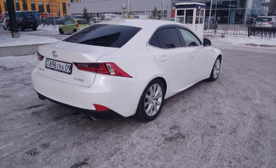 2014-lexus-is-c16004