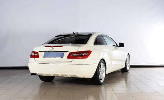 2011-mercedes-benz-e-класс-86533