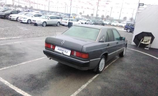 1991-mercedes-benz-190-(w201)-c24198