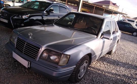 1992-mercedes-benz-w124-c5331