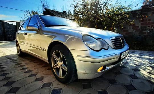 2004 Mercedes-Benz C-Класс
