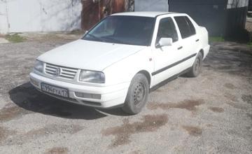 Volkswagen Vento 1994 года за 1 520 000 тг. в Шымкент