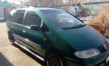 Volkswagen Sharan 1997 года за 1 750 000 тг. в Алматы